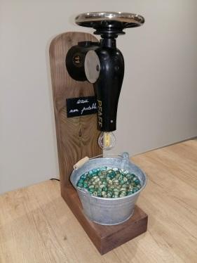 Lampe réalisée avec une machine à coudre