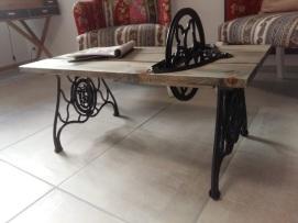 Table de salon pieds de machine à coudre avec roue mobile